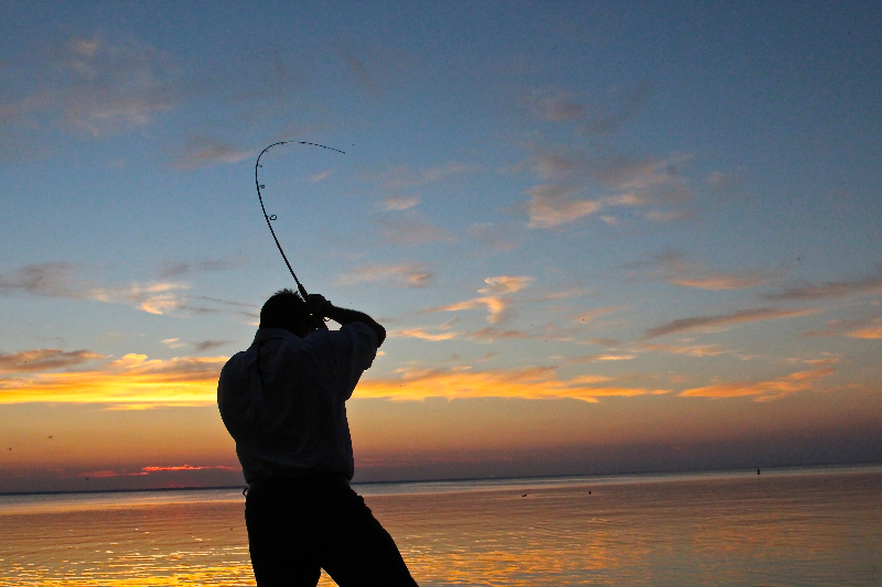 fishing-by-gary-n-ski-sunset-hookset-lake-winnebago