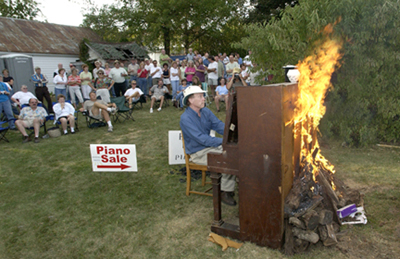 pianoburning190
